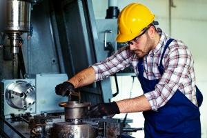 sicurezza sul lavoro con macchine operatrici DPI